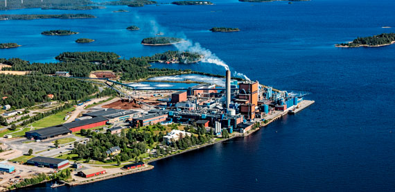 BillerudKorsnäs Karlsborg produces 330,000 tonnes of bleached softwood pulp out of which 130,000 tonnes are pumped to the paper mill producing bleached sack papers, kraft papers and formable paper (FibreForm).